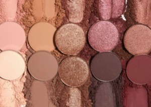 The New Eyeshadow Palette Trend That's Got Us Flummoxed