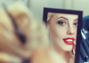 Could This Be The Ultimate Makeup Mirror?