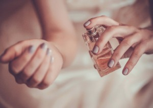 How To Write The Perfect Perfume Review!