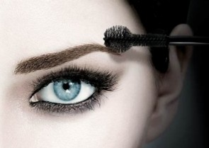 Get Great Brows with the help of NZ's Fabulous Vloggers!