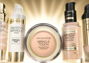 The Beauty Crew tries...the Max Factor Miracle Collection