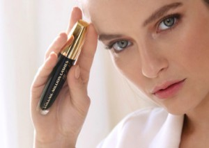 Are You Looking for a less CLUMPY Mascara?