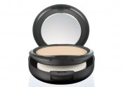 MAC Studio Fix Powder plus Foundation Review