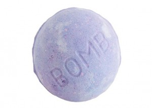 Lush Blackberry Bath Bomb Review