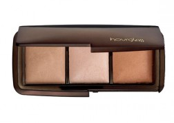 Hourglass Cosmetics Ambient Lighting Powder Wardrobe Review