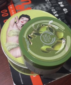 The Body Shop - Olive Creme Body Scrub