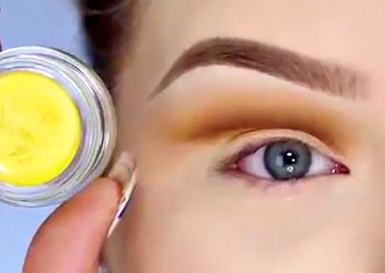 Eye Opening Minions Cut Crease